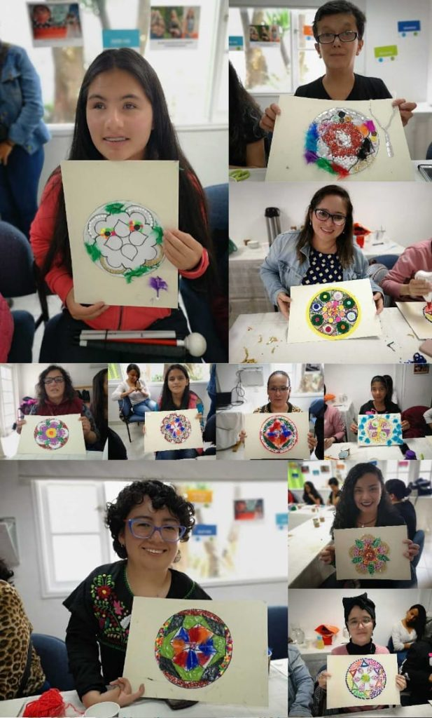 Collage de distintas mujeres mostrando sus mandalas decorados